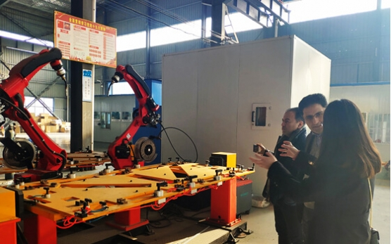 Canada client visit our factory for automatic Aluminum welding machine