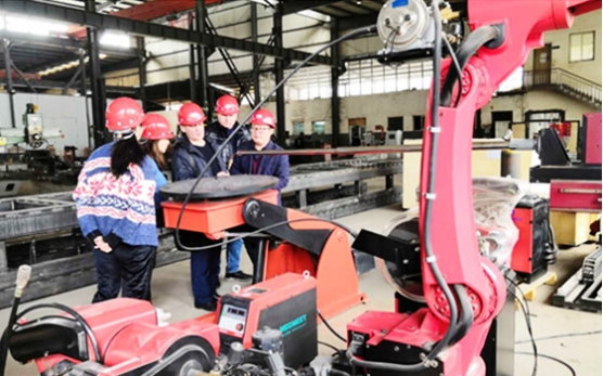 Russian client visit our factory for pipe inner surfacing machine and welding manipulator